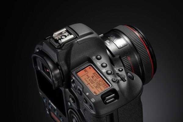 EOS-1D X Mark II EF 50mm USM (2)